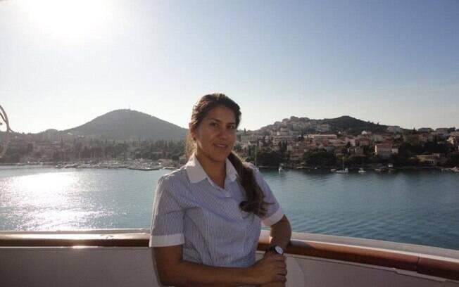 mulher em navio