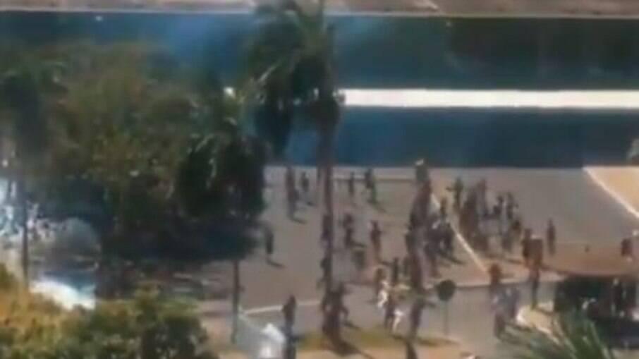 Polícia ataca indígenas em manifestação pacífica em Brasília nesta terça-feira, 22