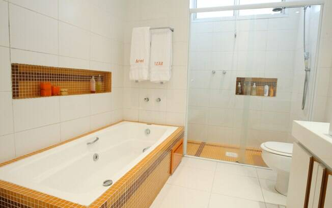 Tenha uma banheira em casa  Mirna Zambrana  iG # Tamanho Mínimo De Banheiro Com Banheira