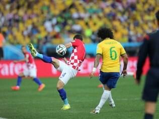 Marcelo faz gol contra, e Croácia sai na frente contra o Brasil