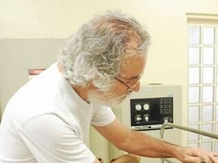Veterinário diz que uso de colar inseticida é eficaz contra a doença