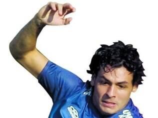 """Com moral. """"O Ricardo Goulart é um jogador muito importante para o nosso time. Ele tem muita força física, ataca demais, tem uma força ofensiva muito grande dentro dos jogos, tem muita presença de área e também nos ajuda na marcação.""""  - Bruno Rodrigo, Zagueiro do Cruzeiro"""