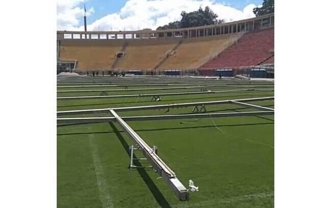 Estruturas já começaram a ser erguidas no estádio do Pacaembu