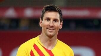Pai marca reunião e Messi dá 1º passo para renovar com Barcelona