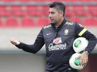 Alexandre Gallo terá a missão de comandar a seleção no torneio internacional