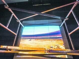 """Na obra. Com andaimes na ambientação, """"Mineirão: Concreto, Aço e Alma"""" mostra reforma do estádio"""
