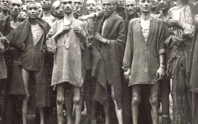 Judeus eram mantidos para trabalhos forçados. Antes mesmo da execução, muitos morriam de fome ou de doenças contagiosas dentro dos campos de concentração