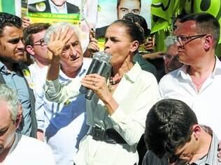 União.   Marina agradeceu o apoio da população e pediu voto para Tarcísio Delgado, candidato ao governo, e Margarida Vieira, ao Senado