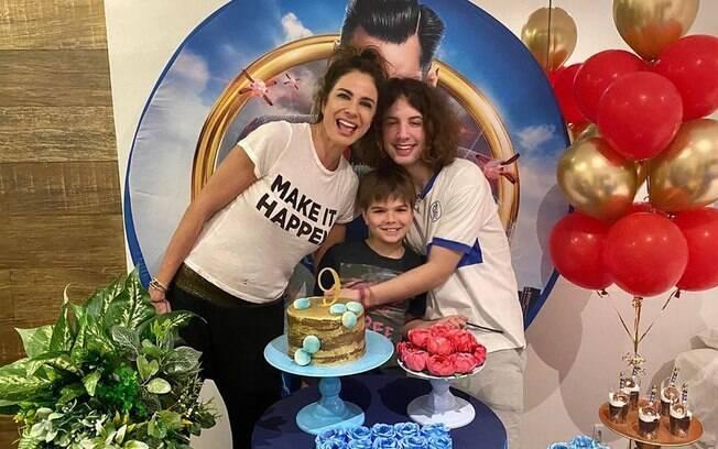 Luciana Gimenez e filhos