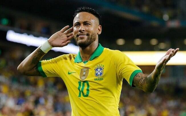 Neymar animou o treino