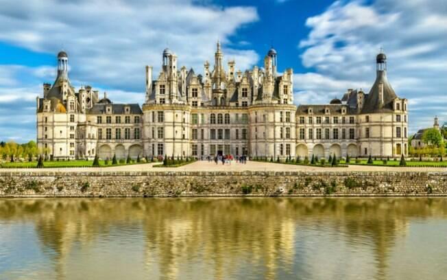 Um dos principais castelos na Europa para se visitar é o de Chambord, na França