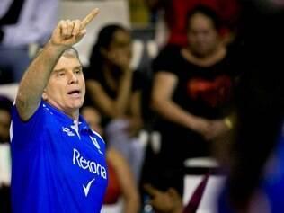 Bernardinho quer que atletas tomem decisões mais certas na hora das decisões