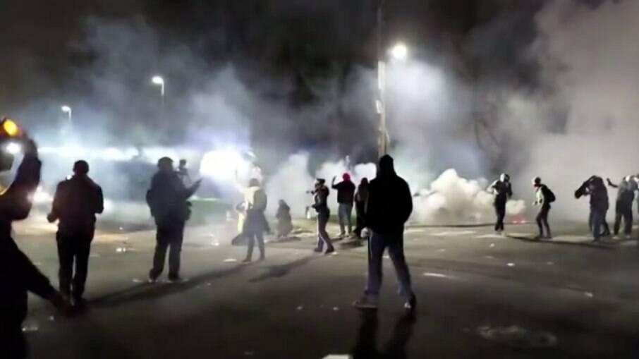 Mais de 50 manifestantes foram presos na segunda noite de protestos