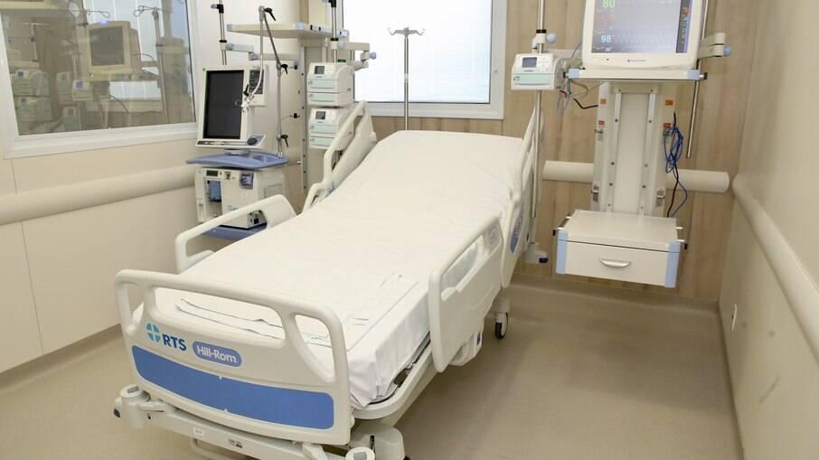 Hospitais registram queda no número de internados por covid-19