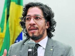 """Jean Wyllys (PSOL-RJ) diz que novo texto retira """"álibi"""" da oposição"""