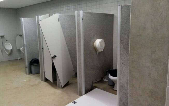 Banheiro da Arena das Dunas é destruído por torcida do América-RN