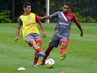 Douglas (dir.) disputa vaga na ala direita com Luis Ricardo