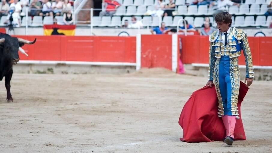 A tourada ainda é prática comum no país