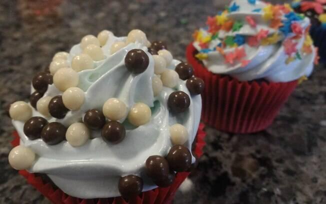 Cupcakes podem ser decorados conforme o paladar de quem for comer