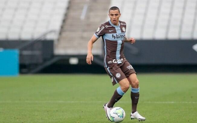 Mantuan rompe ligamento do joelho e desfalca o Corinthians até 2021