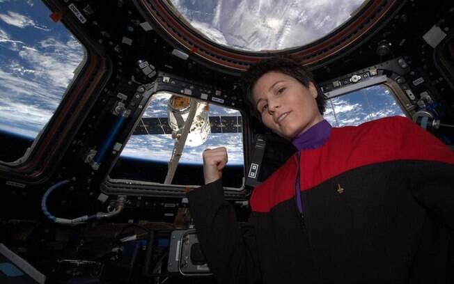 Fãs do Star Trek vão à loucura com a foto compartilhada pela equipe da ISS vestindo o famoso uniforme