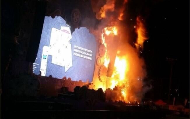 Incêndio durante o festival Tomorrowland toma grandes proporções, mas não deixa feridos, de acordo com jornal local