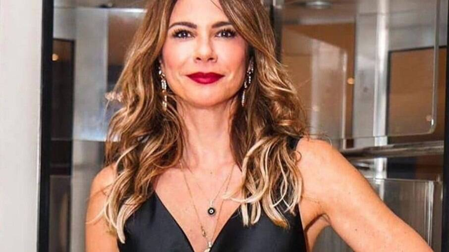 Luciana Gimenez responde perguntas de seguidores sobre vida amorosa