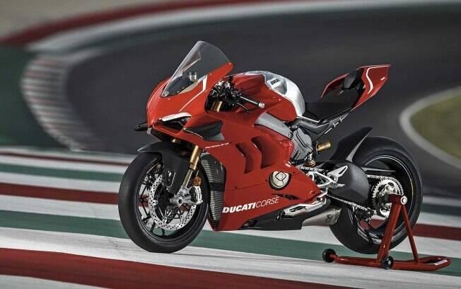 Ducati Panigale V4 R: Em prol do desempenho e segurança,  é bem equipada, apesar da obsessão pela redução de peso