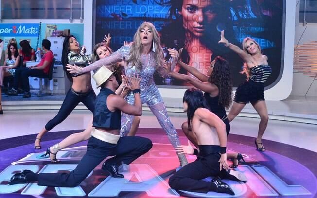Rodrigo Faro imita Jennifer Lopez no programa deste sábado (10)