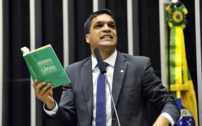 O candidato Cabo Daciolo (Patriota) tem chamado a atenção desde o primeiro debate entre os presidenciáveis