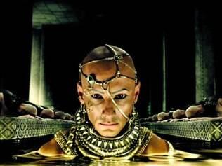 Vilão. O ator brasileiro Rodrigo Santoro vive o astro-rei Xerxes no longa-metragem de ação dirigido por Noam Murro