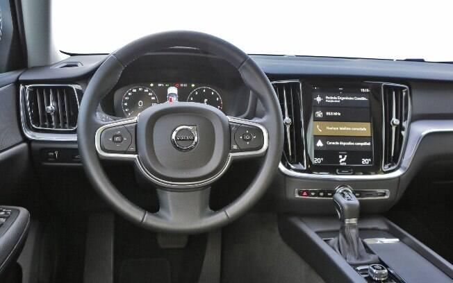 Volvo V60 é pensado para entregar ergonomia e acomodar os ocupantes para as diferentes propostas de direção