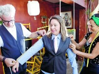 Opções. Raquel Muniz encomendou quatro modelos de roupa com um renomado alfaiate da capital