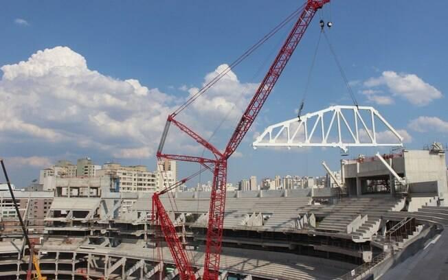 A cobertura do estádio do Palmeiras deve  ficar pronta em maio de 2013