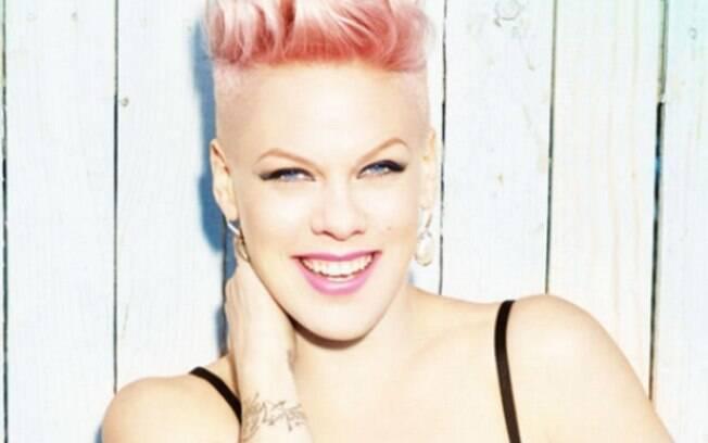 Pink é levada a hospital da Austrália duas vezes em menos de 24 horas