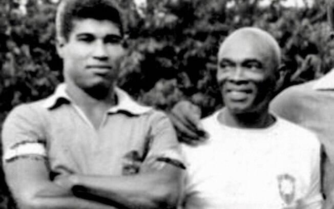 Jair Marinho (a esquerda) faleceu após sofrer uma parada cardiorrespiratório, no Rio de Janeiro