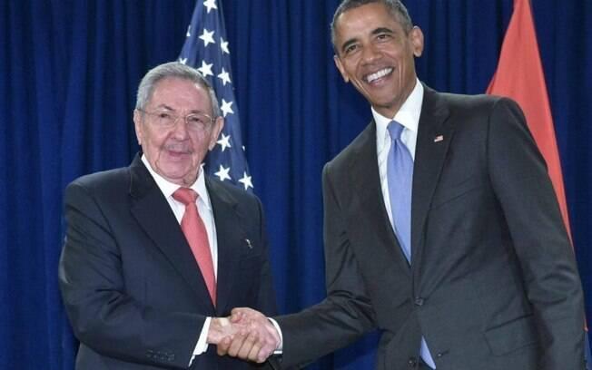 Os presidentes Barack Obama e Raúl Castro em encontro no ano passado, na sede da ONU