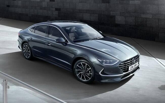 Hyundai Sonata agora ares de cupê, conforme a tendência de design com linhas fluidas e que transmitem velocidade