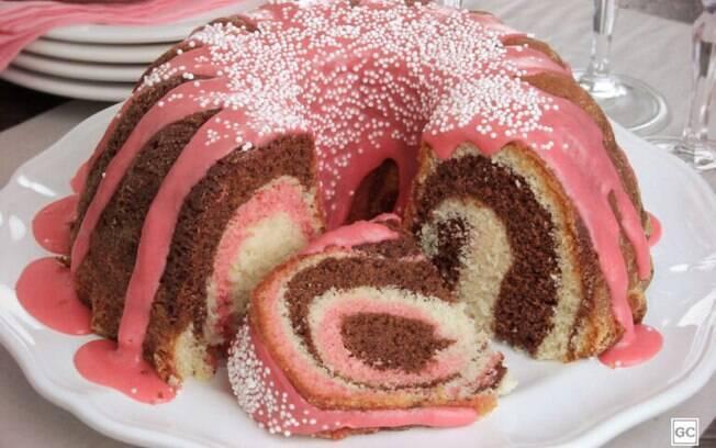 As melhores receitas de bolos com calda para se deliciar