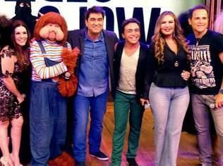 Zeca Camargo reúne Fofão, Simony e Rosanah no palco do 'Video Show'