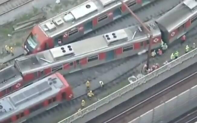 Trem da CPTM descarrilou na zona leste de São Paulo, nesta quarta-feira; acidente aconteceu perto da estação Brás