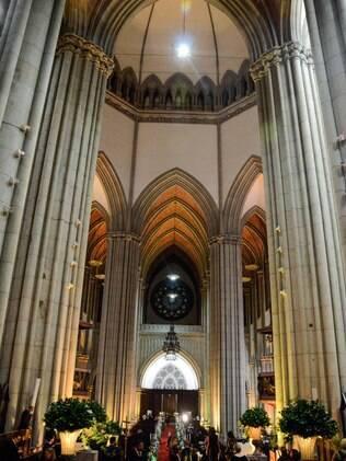Grandiosa, a Catedral da Sé é uma boa escolha para noivas que sonham com um casamento tradicional