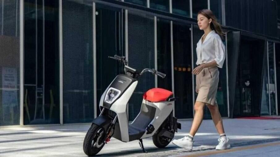 Honda U-BE custa pouco mais do equivalente R$ 2.500 em sua versão mais em conta, mas ainda não está confirmado no Brasil