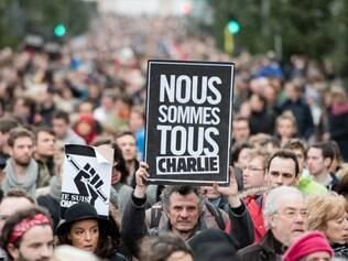Ato reuniu milhares de pessoas na França