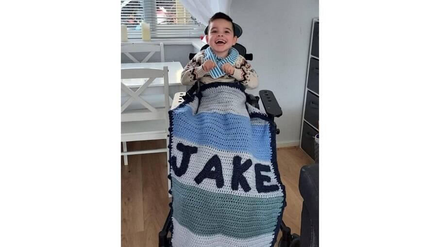 Jake ganhou um cobertor de Tom Daley