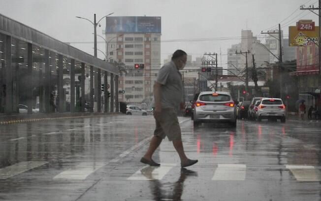 Campinas registra chuva, mas frente fria chega na quinta-feira