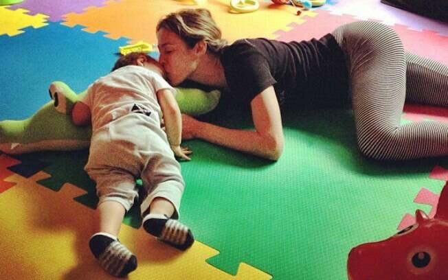 Luana e o filho, Dom