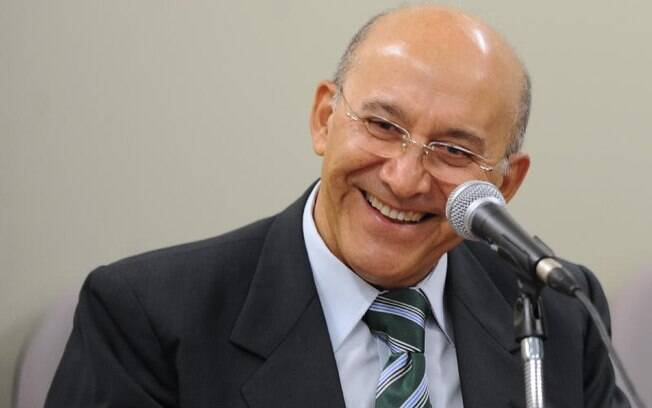 Confúcio Moura, do PMDB, é reeleito em Rondônia