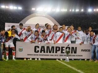 River Plate conquistou primeiro título importante desde 2008 e comemorou também volta a Libertadores