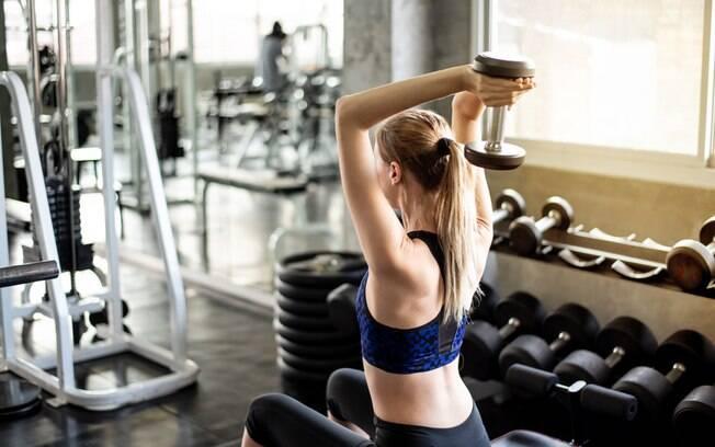 É mais simples acertar na execução na extensão de tríceps
